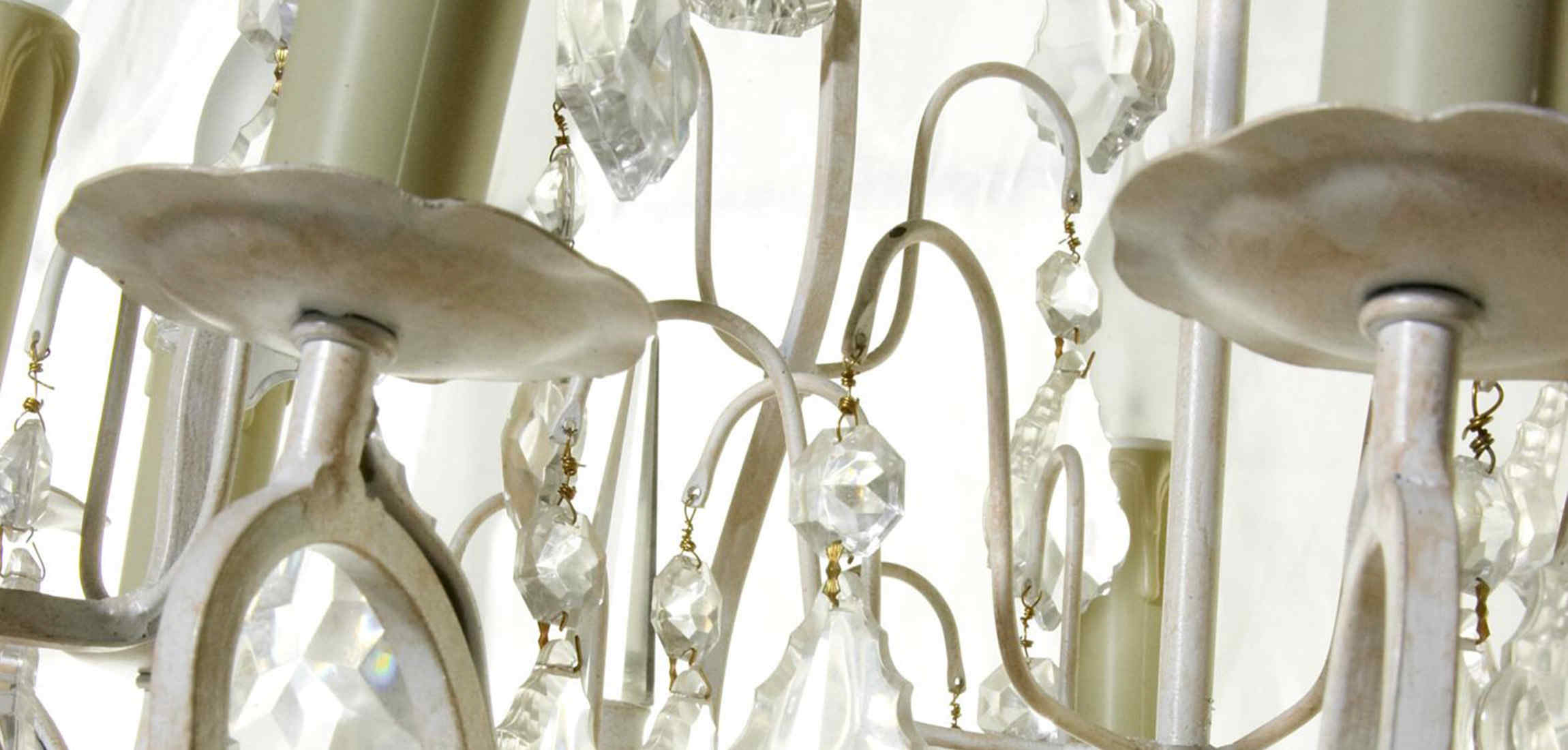 VICTORIA 8 branch chandelier antique white